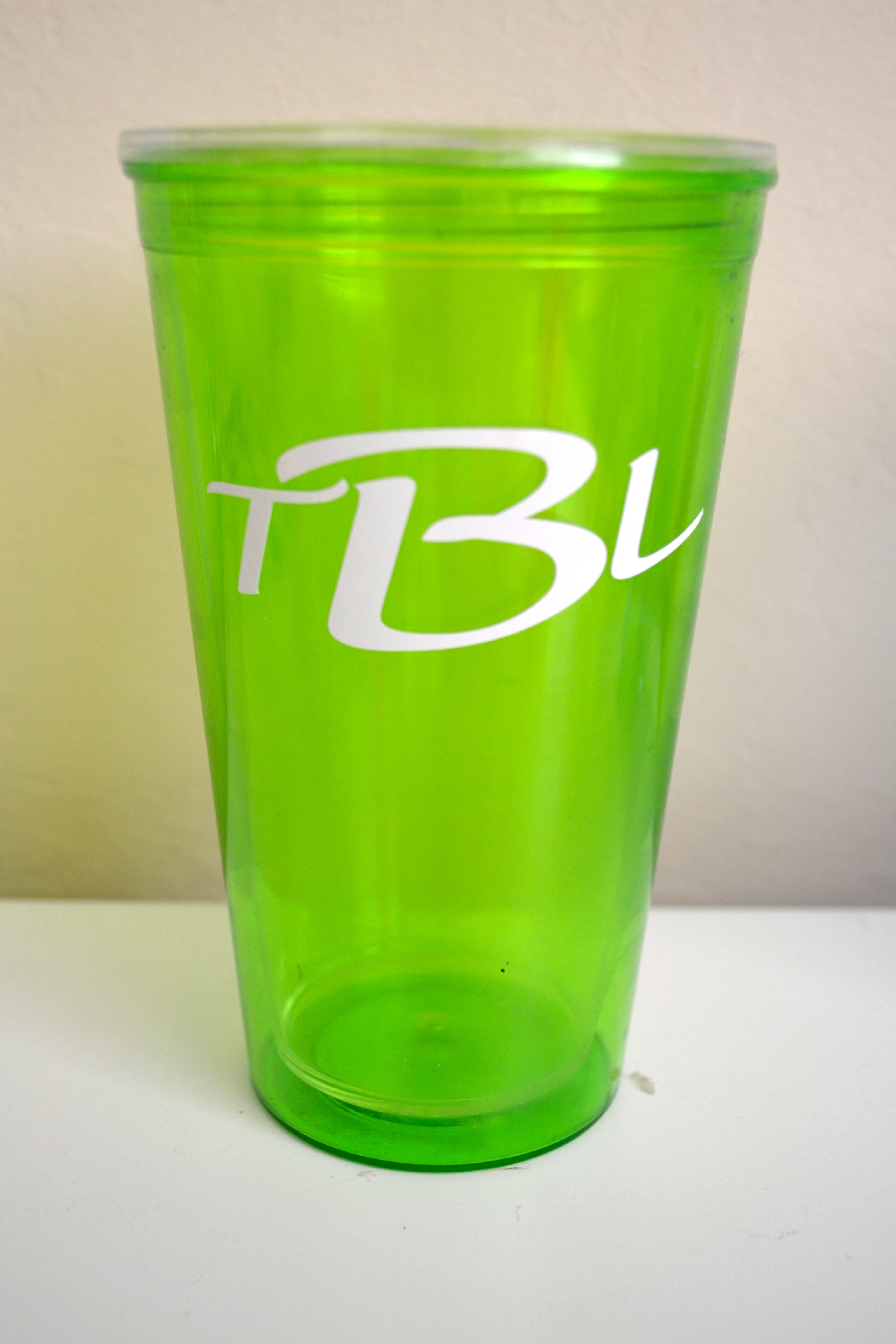 Custom drink tumblers the perfect diy party favors for for Vinyl letters for plastic cups