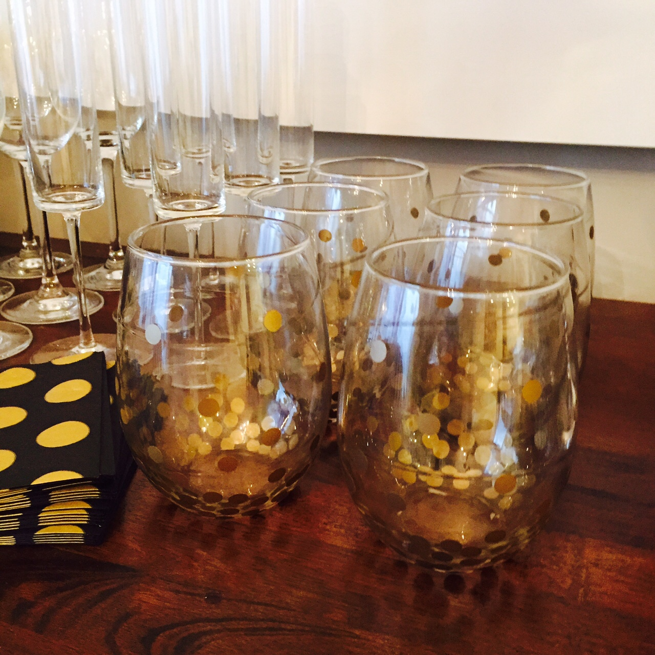 Excellent DIY Wine Glasses - Gold Dot Kate Spade Knock Off - Miss Bizi Bee AX49